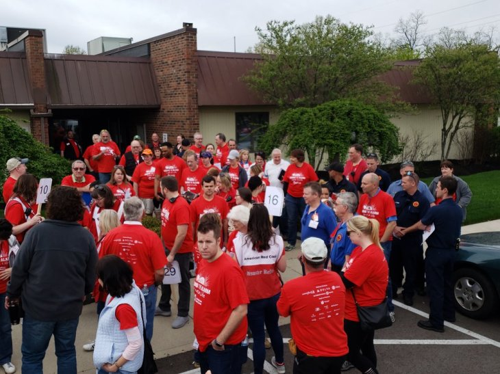 horde of STA volunteers